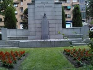 Busto de Aniceto Marinas