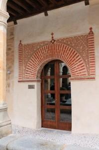 Puerta del claustro